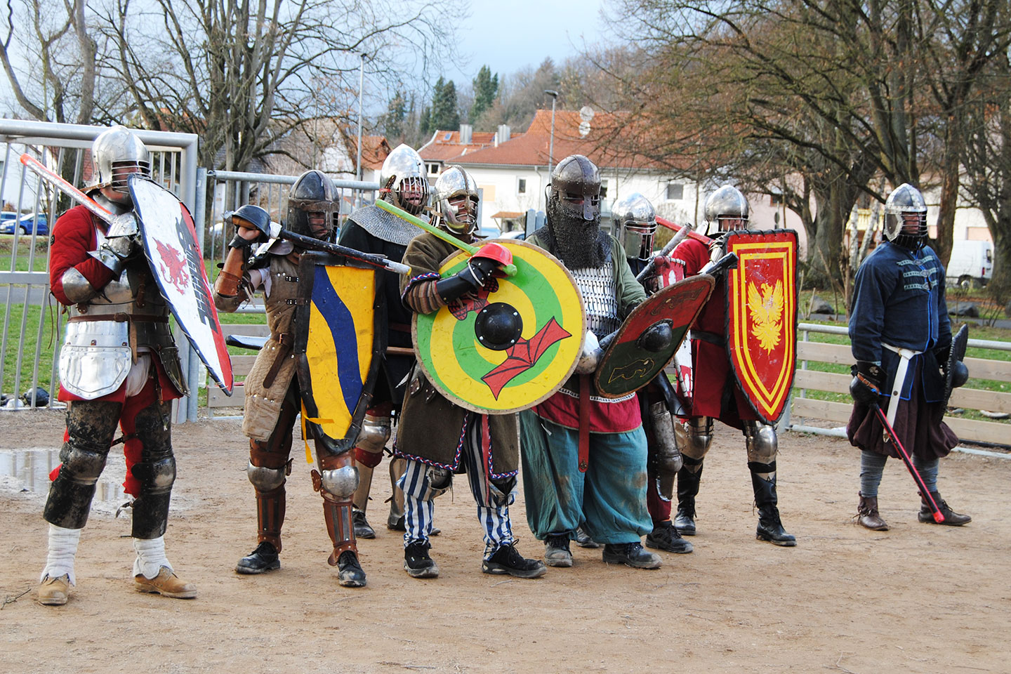 sca-heavy-fighting-shieldwall